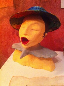 Skulptur mit Hut